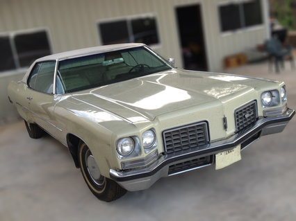 1972 Oldsmobile Ninety-Eight Luxury 2D HardTop