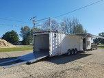 Classic Dominator 44ft Gooseneck Living quarters trailer or