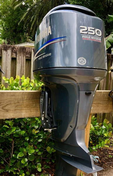 Yamaha 4 Strokes 250 HP  Outboard   for Sale $5,500