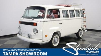 1993 Volkswagen 13 Window Deluxe Walk-Thru Bus