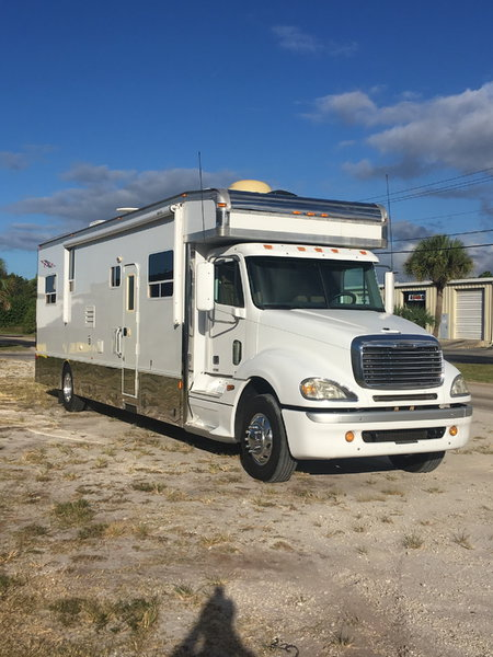 Haulmark/Freightliner  for Sale $125,000