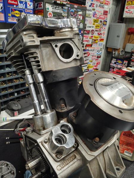 "103"" Harley Gas motor"