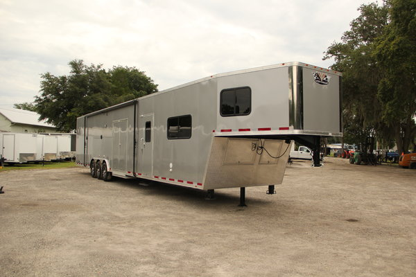 53' Vintage Outlaw w/ Living Quarters & Deluxe Light Pac