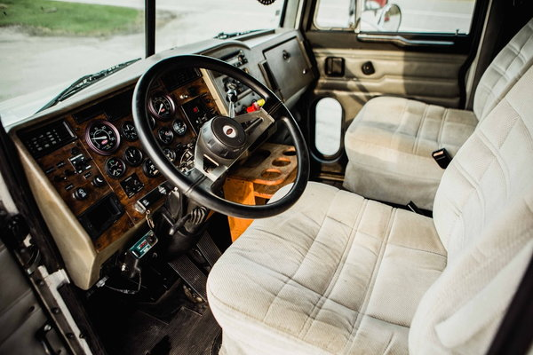 PETERBILT 330 CUMMINS 8.3 SCHWALBE CREW CAB  for Sale $47,500
