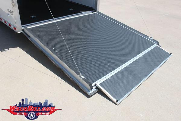 28' Bravo Aluminum STP 12K Spread 110/12V LED Wacobill.com