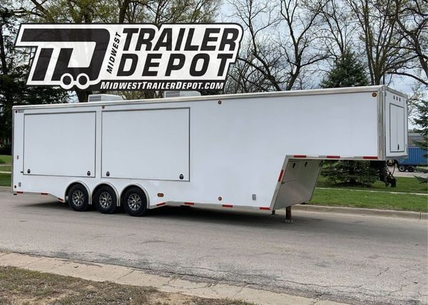 2008 5150 37' Gooseneck Vender / Race Trailer  for Sale $19,500