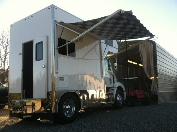10' Box Freightliner Columbia/(MH) Conversion 2010 / MBE 450  for Sale $69,999