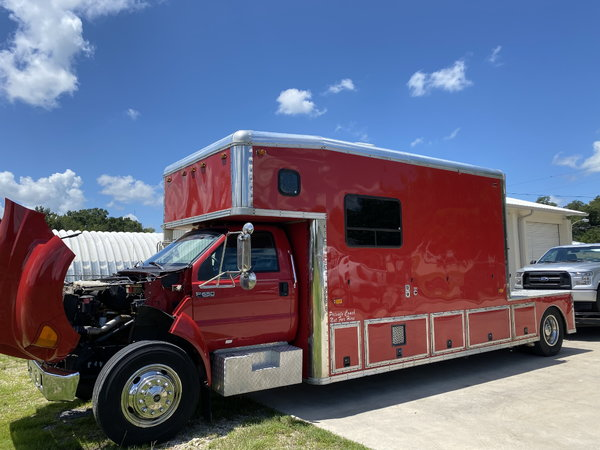 2001 14' United Specialties Toterhome  for Sale $69,990