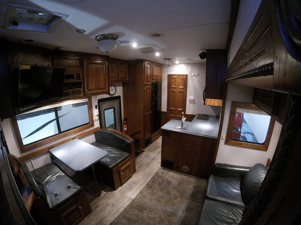2004 Renegade 24' living w/ 10' garage  for Sale $118,000