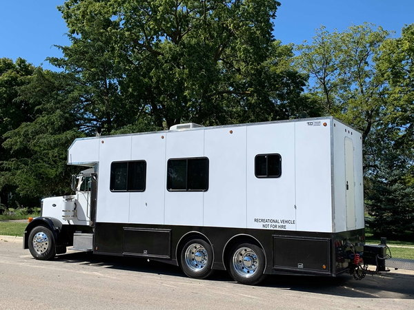 2006 K&C Conversion on 379 Pete and K&C 3 car stacke  for Sale $123,000