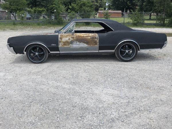 1967 Oldsmobile Cutlass Supreme  for Sale $6,000