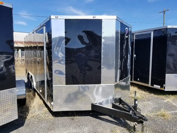 2019 Black 8.5x24 Enclosed Car Hauler Trailer  for Sale $9,000