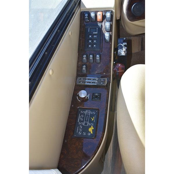 2009 Monaco Camelot 42KSQ 43' Class A Coach RV