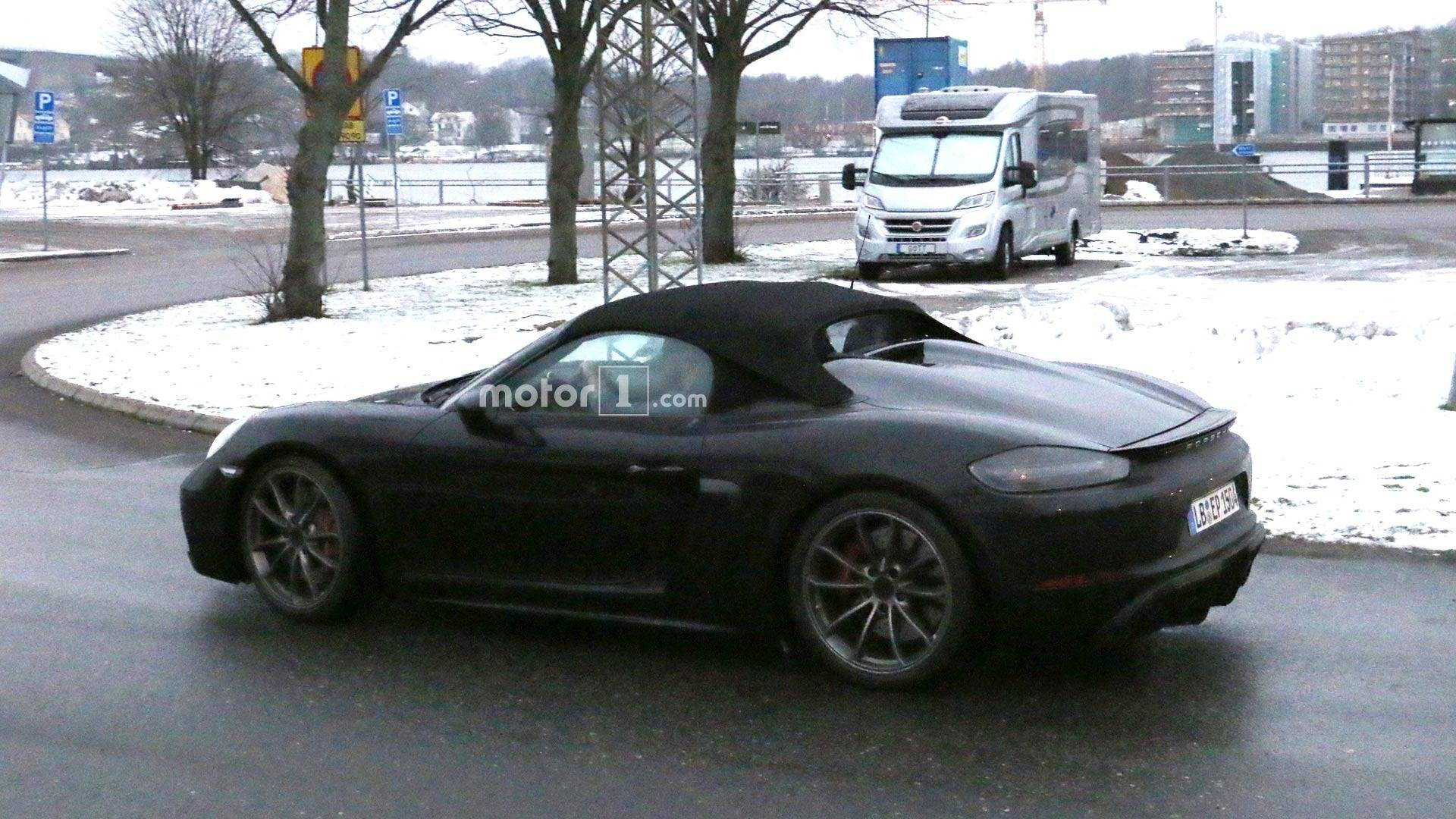 The final 982 Spyder might not be named GT4, but the gap between the GT4  and Spyder seems to be closing.