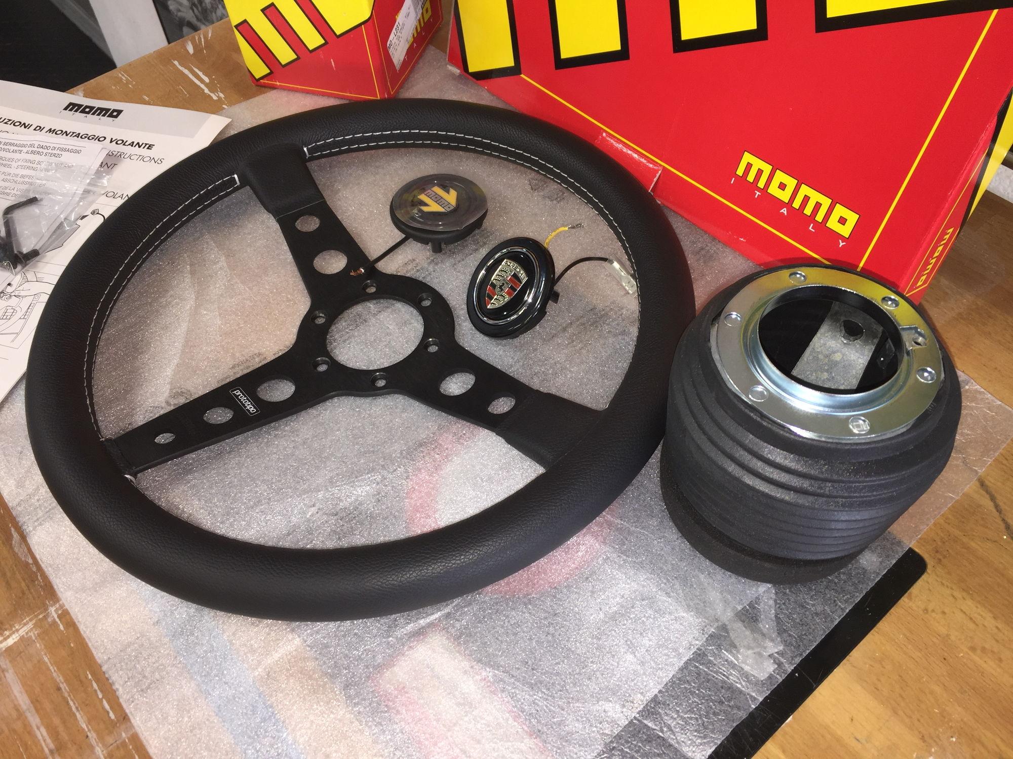 momo prototipo wheel hub porsche button rennlist. Black Bedroom Furniture Sets. Home Design Ideas