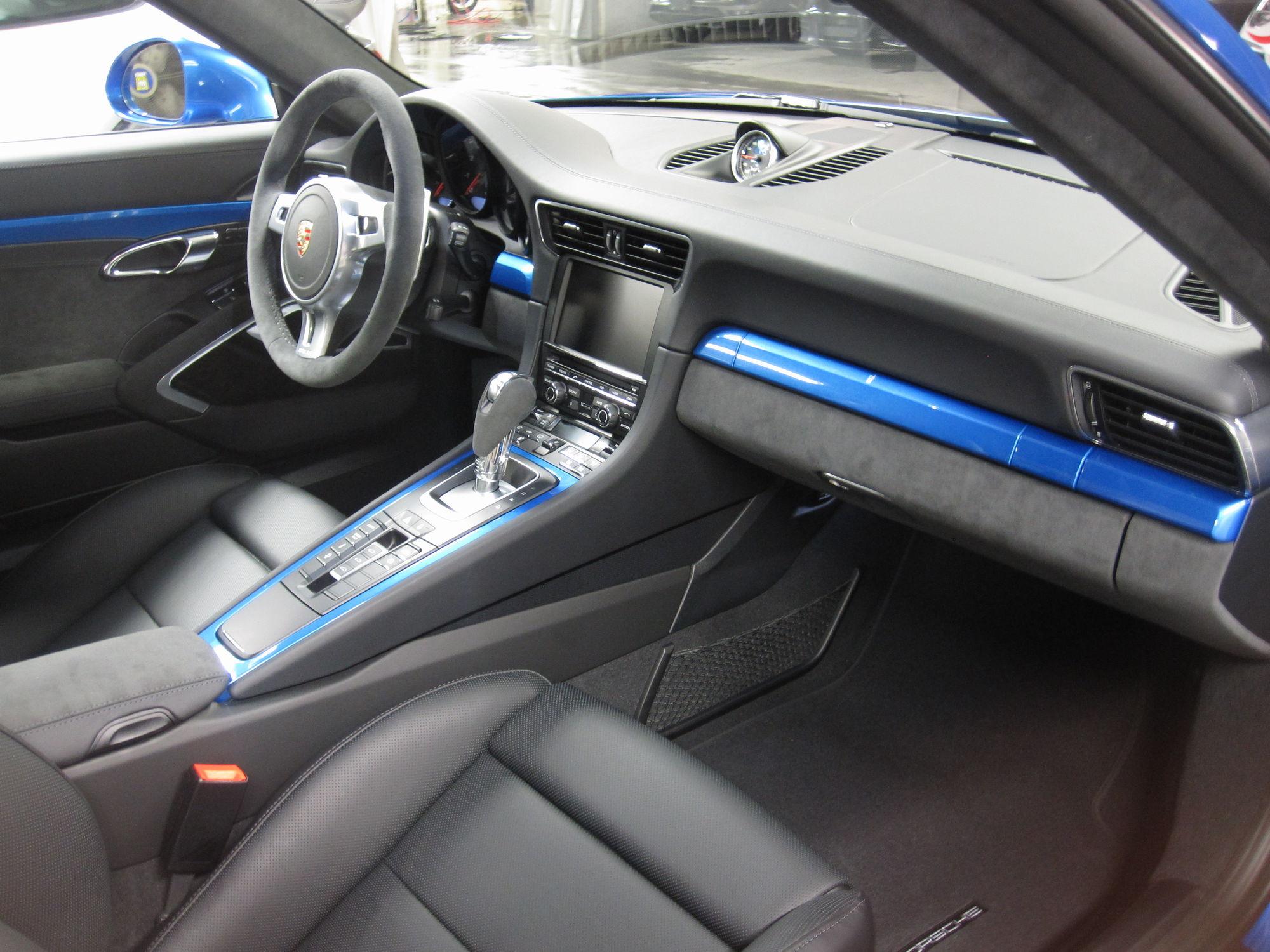 GTS Interior package with leather seats? - Rennlist - Porsche ...