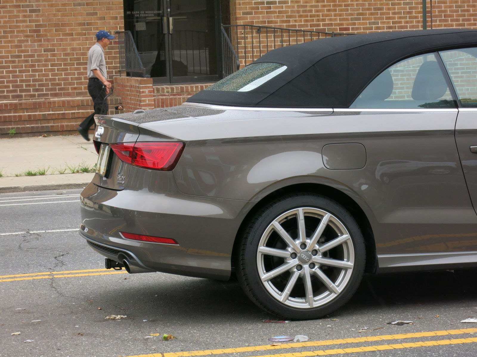 cabriolet owners i need a hitch for my bike rack help rh audiworld com 2013 Audi A3 Trailer Wiring Audi Q5 Factory Hitch