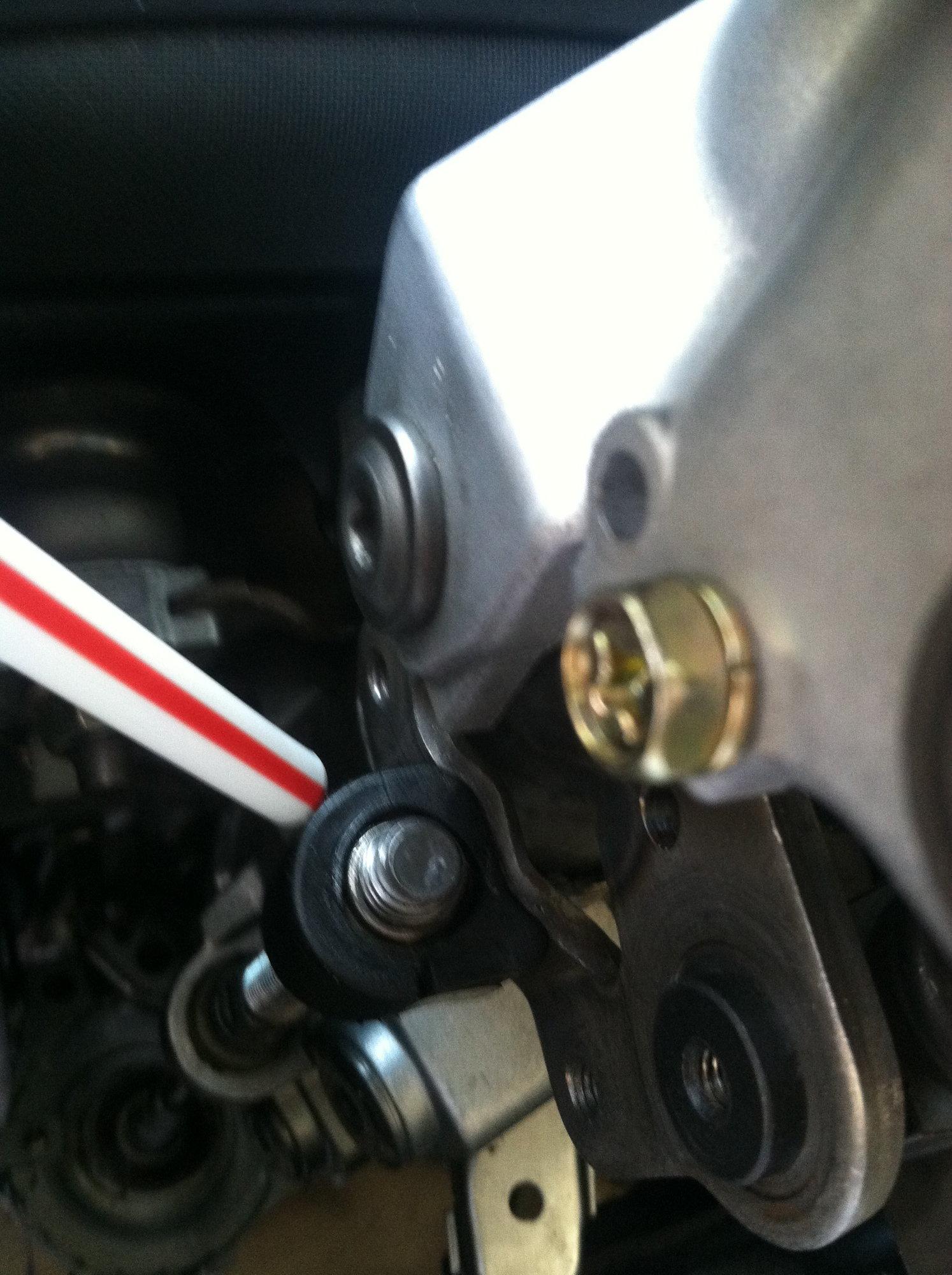 Diythe Step By Telescopic Steering Write Up Clublexus 2005 Lexus Gx 470 Fuse Box Pic 2 Bushing Pn 45768