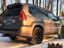 GX470 with Curt hitch and Smittybuilt Beaver Tail hitch step.