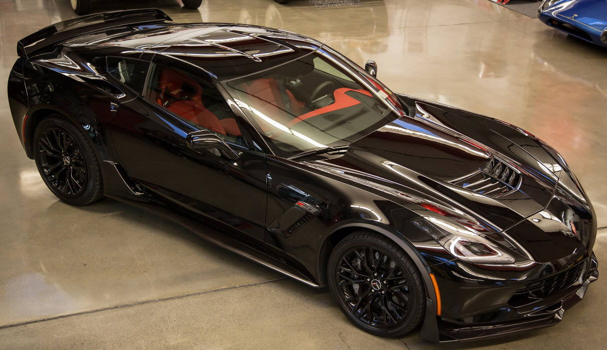 Z06 Red Or Black And Visable Carbon Fiber Or Painted