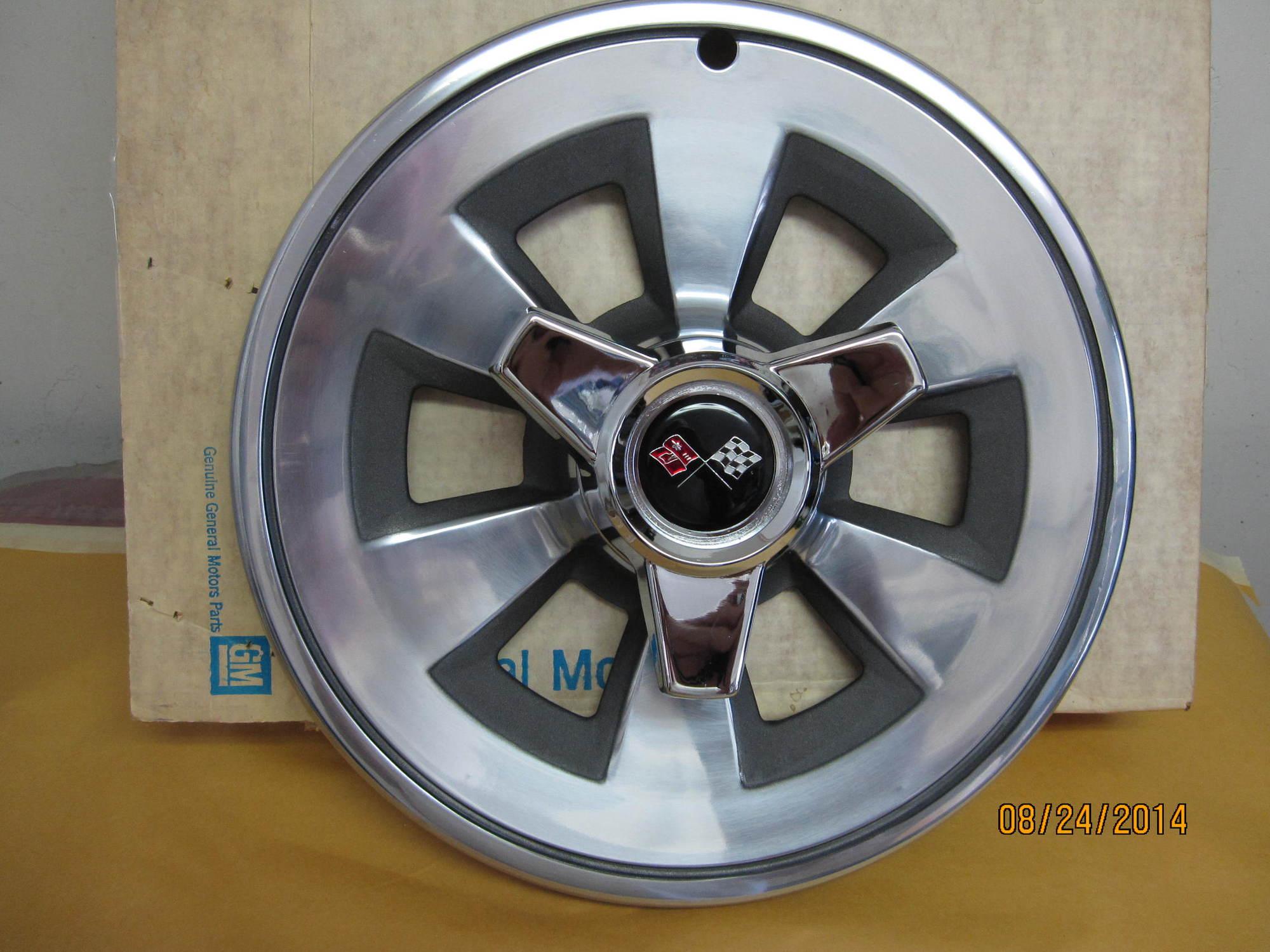 1965 Hubcaps - Original or Repro? - CorvetteForum - Chevrolet