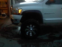 New wheels, sorry for the bad pic it's all i have right now