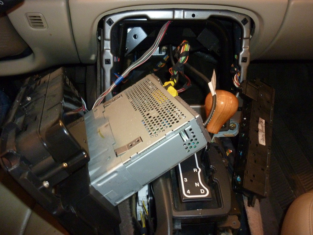 Installing An Average Aftermarket Stereo
