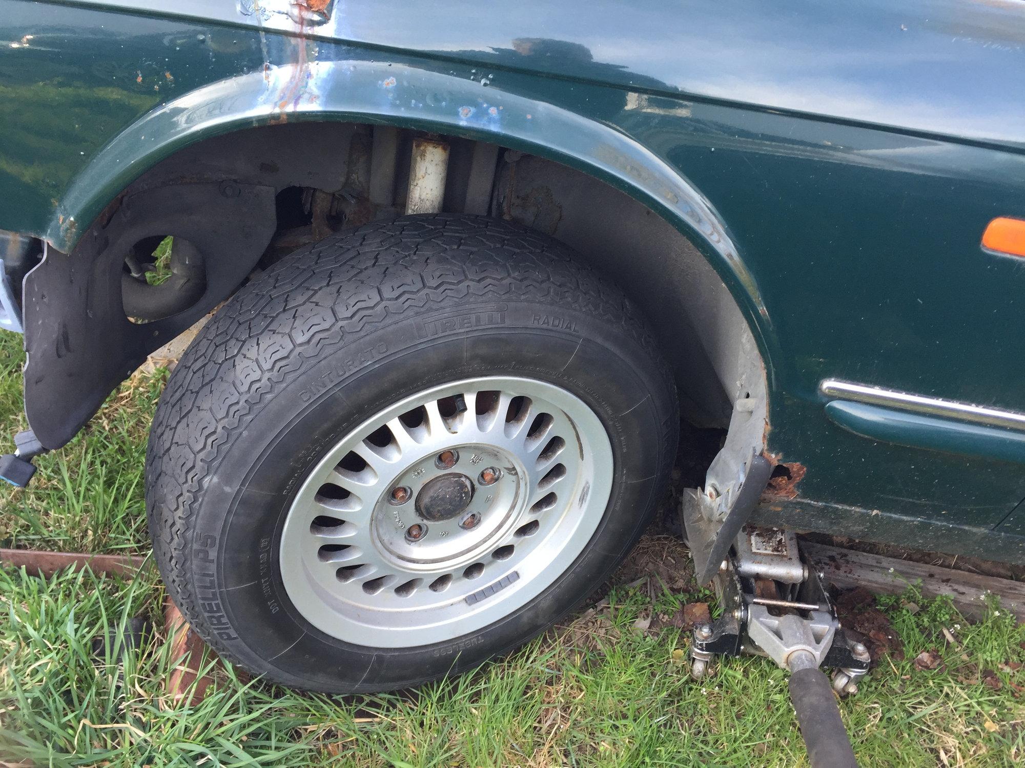 """15"""" wheels on an XJR? - Jaguar Forums - Jaguar Enthusiasts ..."""