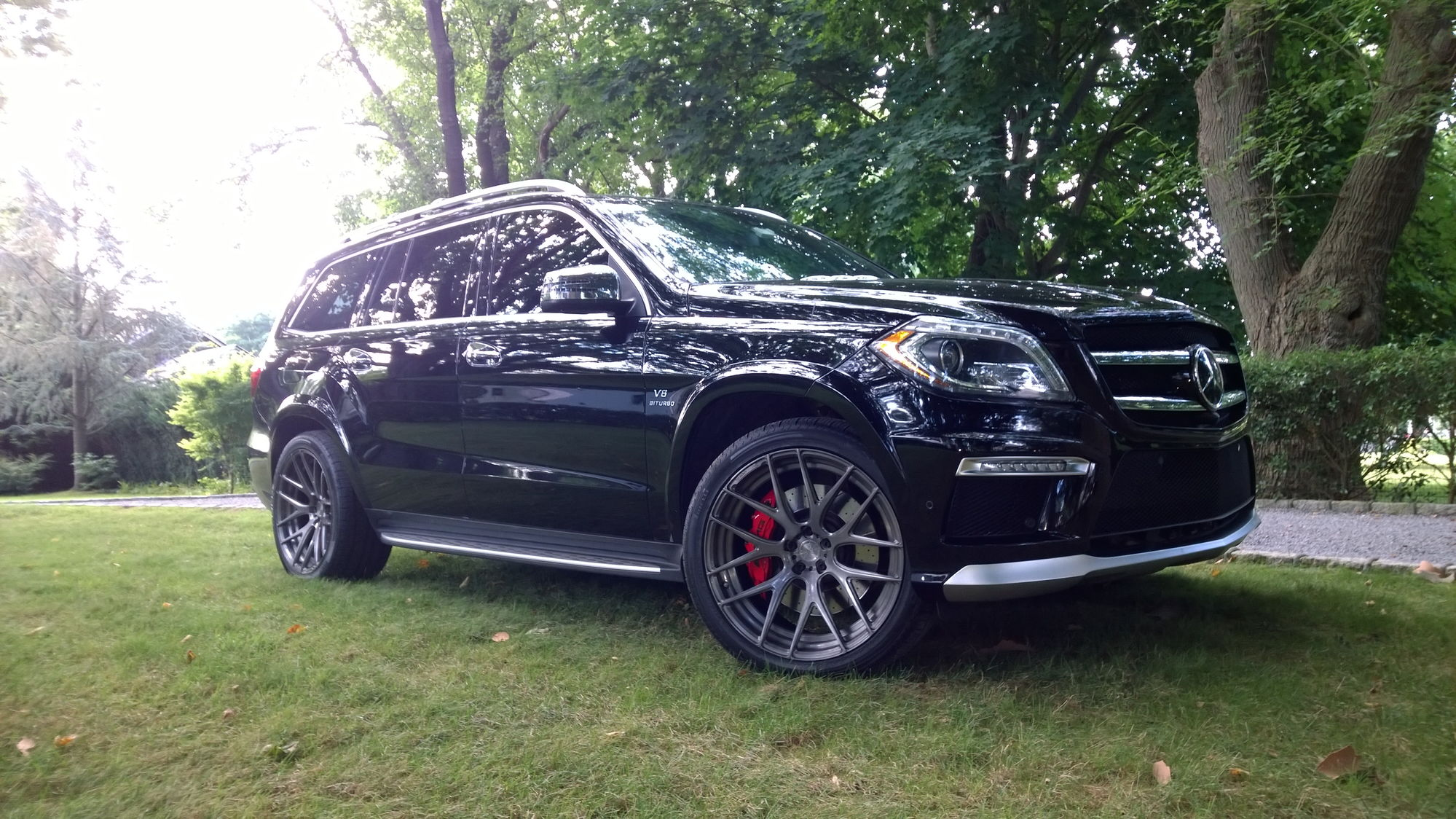 285 40 22 or 305 40 22 for 2013 gl450 forums for Mercedes benz gl450 tires