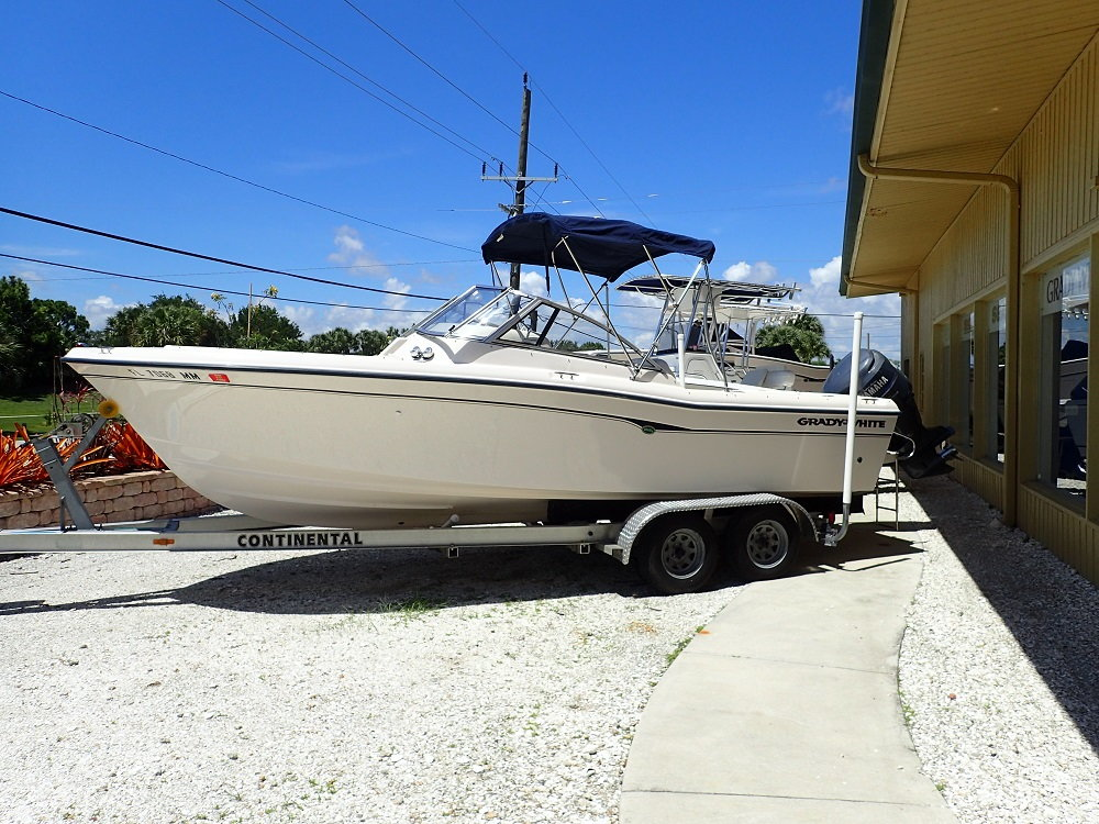 2004 Grady White 225 Tournament Dual Console For Sale !!! - The Hull