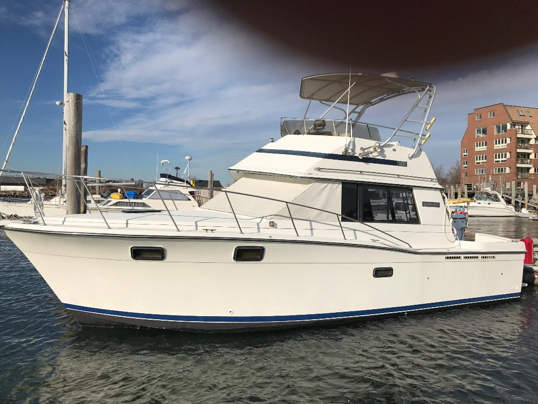 Craigslist carver 3227 very clean boat (Pictures added ...