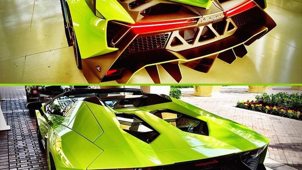 Veneno Roadster and Aventador Roadster in Verde Singh. Image via Lamborghiniks on Instagram.