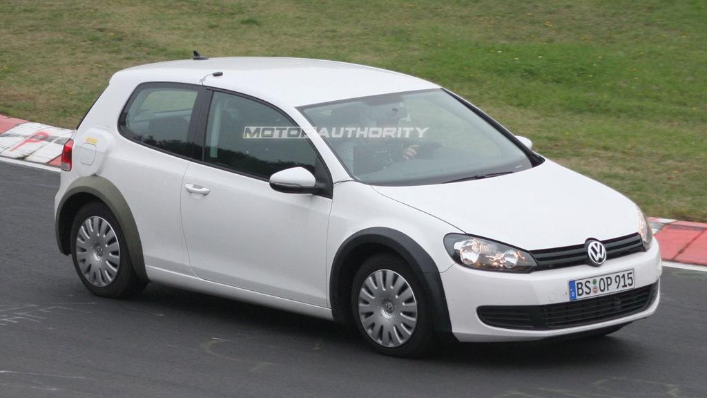 2012 MkVII Volkswagen Golf test-mule spy shots
