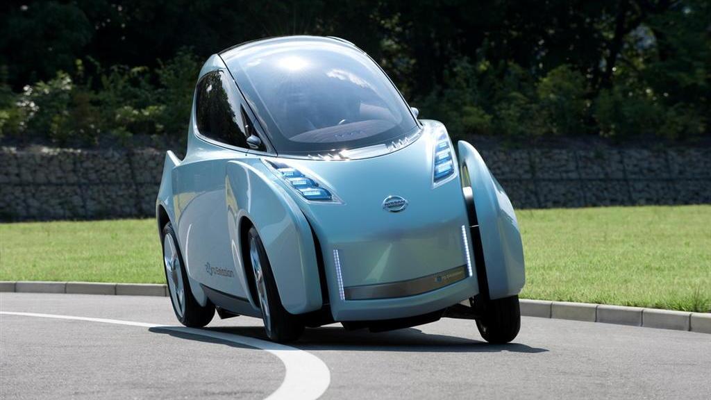 2009 Nissan Land Glider leaning EV concept
