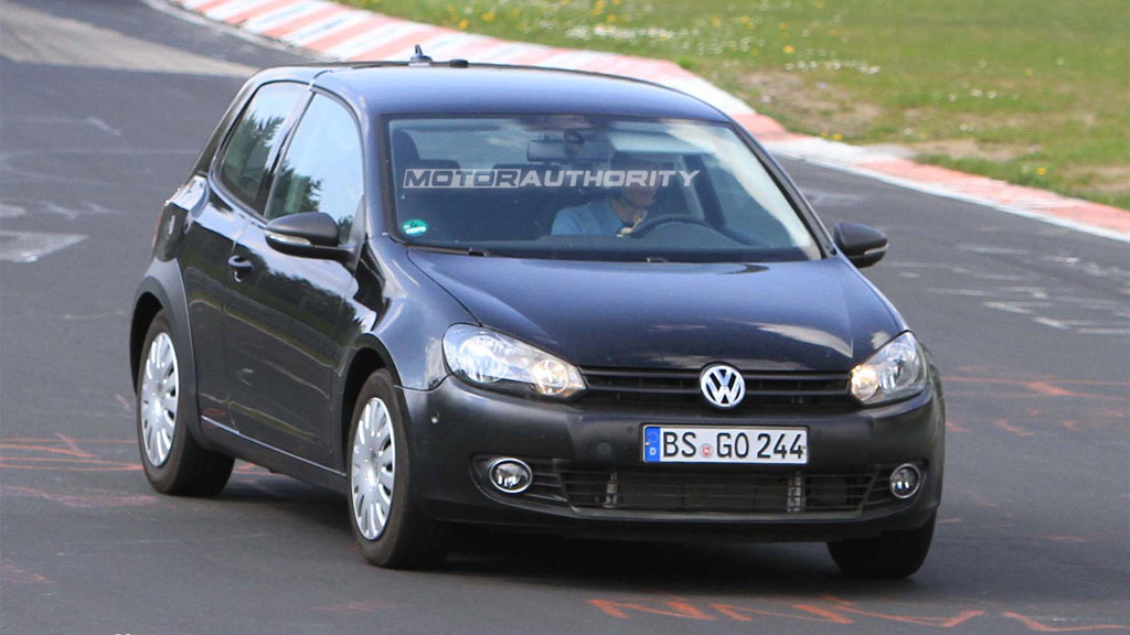 2012 Volkswagen Golf MkVII test mule spy shots