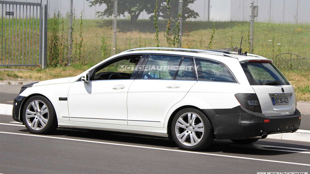 2011 Mercedes-Benz C-Class Estate facelift spy shots