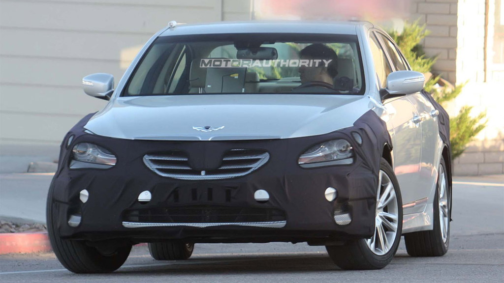 2012 Hyundai Genesis Sedan facelift spy shots