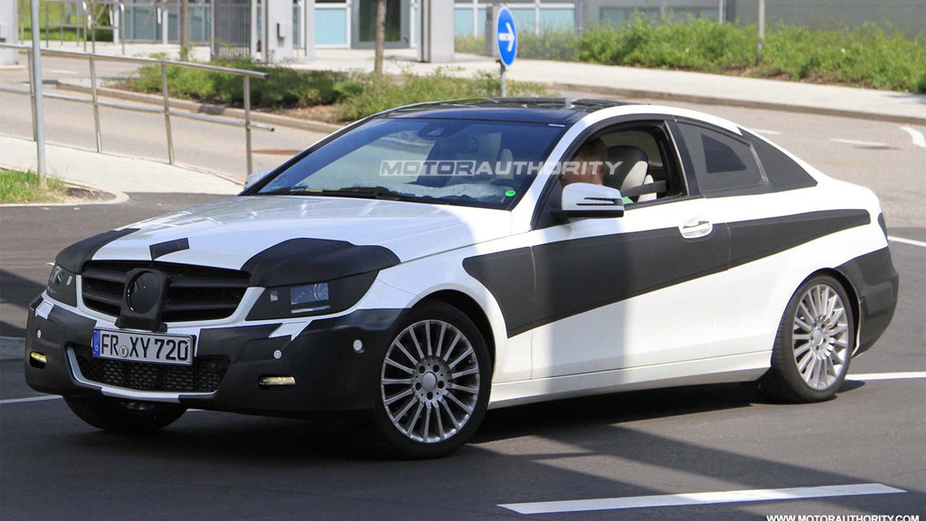 2012 Mercedes-Benz C-Class Coupe spy shots
