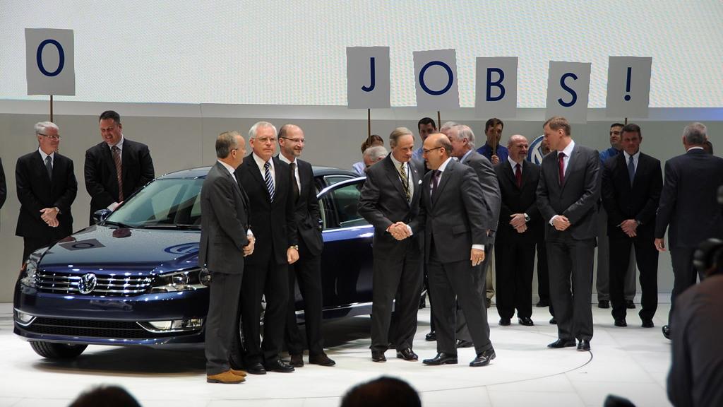 2012 Volkswagen Passat live photos by Joe Nuxoll