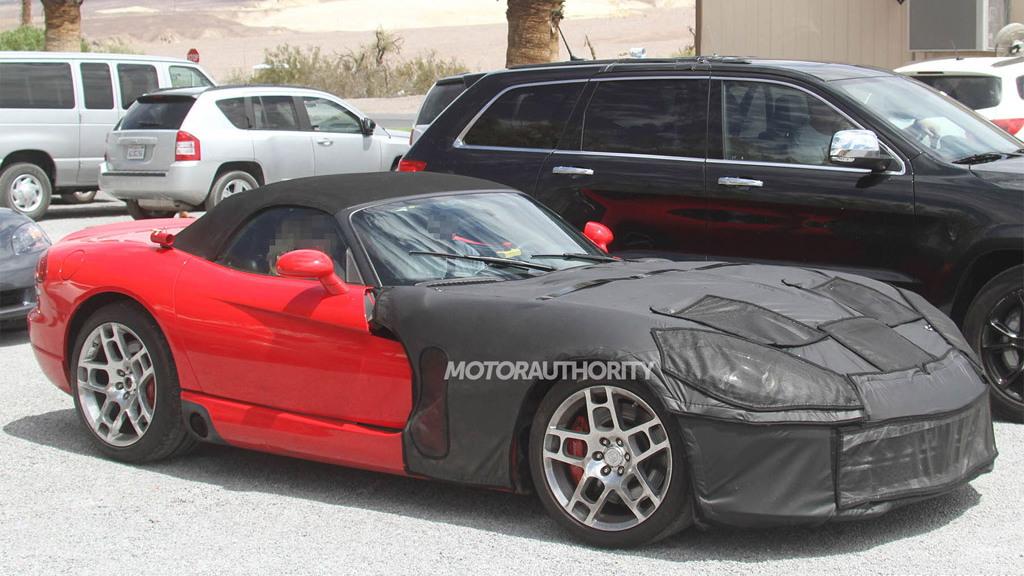 2013 Dodge Viper test-mule spy shots