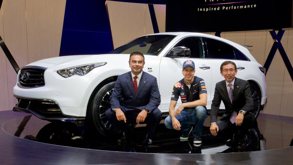 Sebastian Vettel shows off personalized Infiniti FX50 Concept live photos