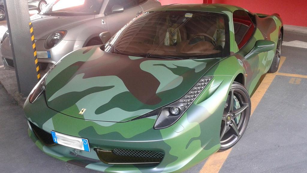 Custom Ferrari 458 owned by Fiat heir Lapo Elkann - Image courtesy fry_theonly