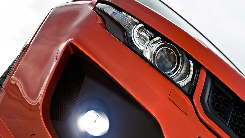 A. Kahn Design Range Rover Evoque Vesuvius RS250
