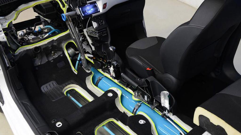 PSA Peugeot Citroen Hybrid Air concept