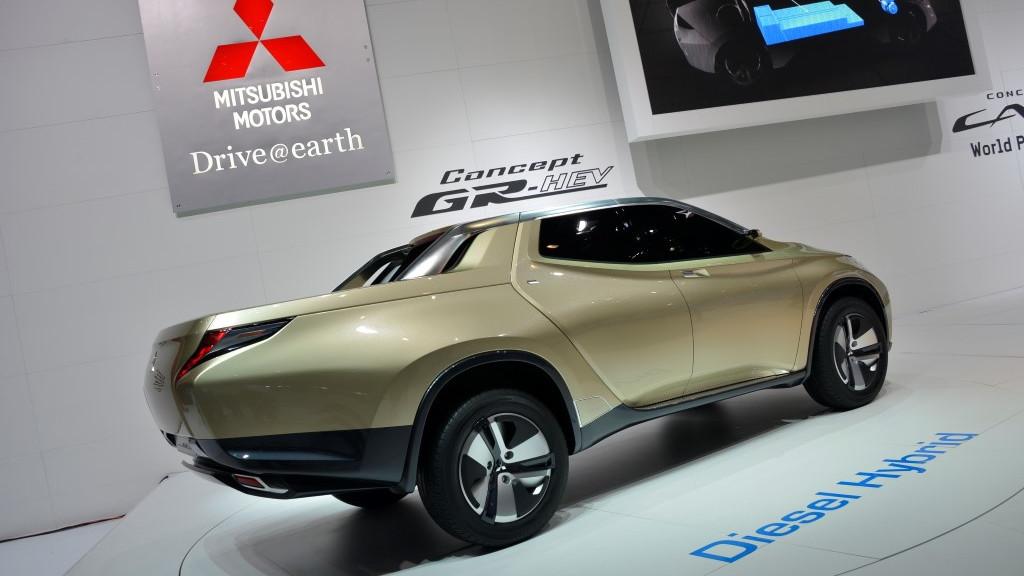 Mitsubishi GR-HEV hybrid pickup concept: Geneva Motor Show live photos
