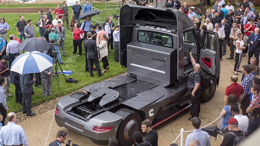 Cummins Urban Hauler Tractor concept