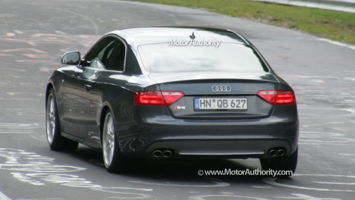 2010 audi rs5 spy shots 014