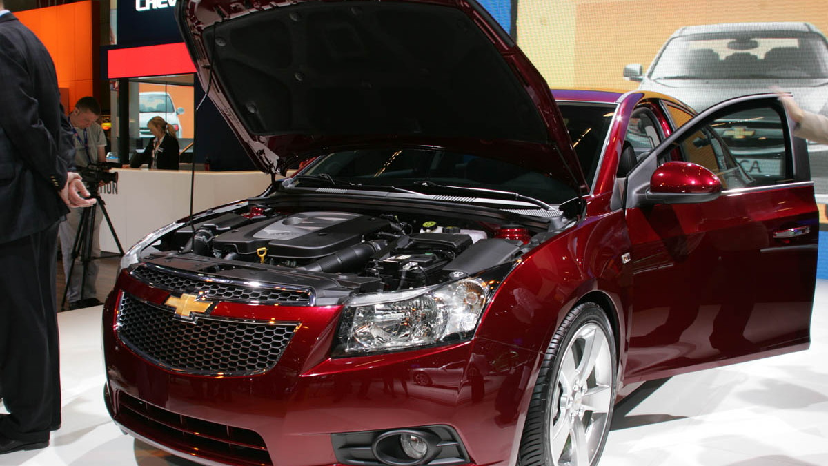 2010 chevrolet cruze live paris 005