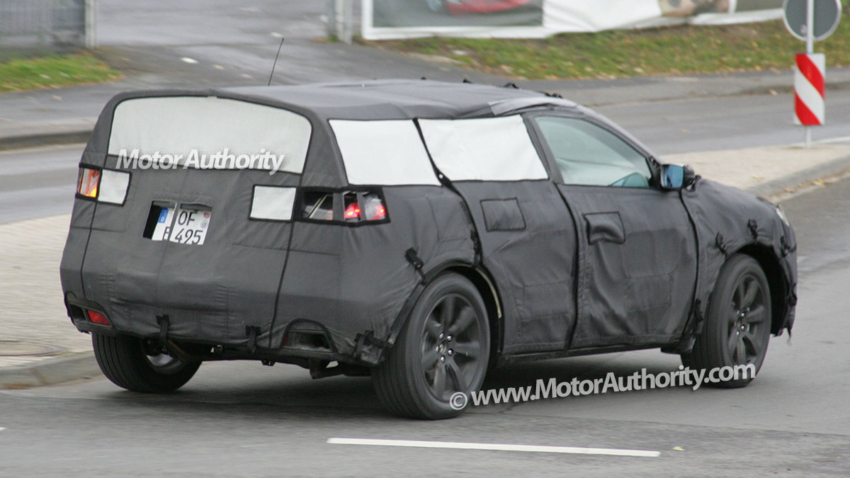 2010 acura crossover spy shots 004