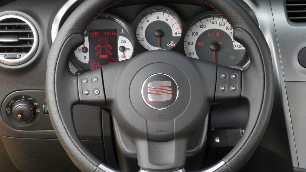 seat leon linea r hatch 030
